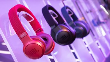 JBL Introduces New LIVE Headphone Series In India