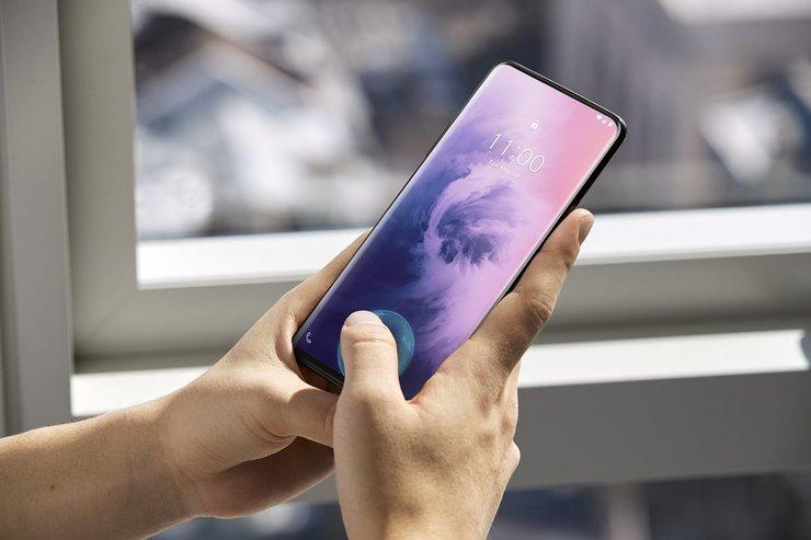 OnePlus-7-Pro-fingerprint-sensor-is-fast