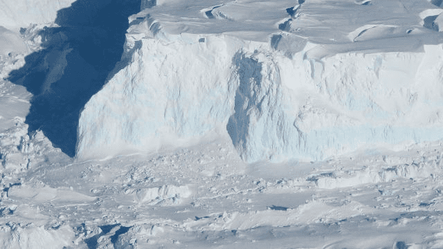 The-plan-of-artificial-snow-will-present-an-unprecedented-effort-for-humans-2
