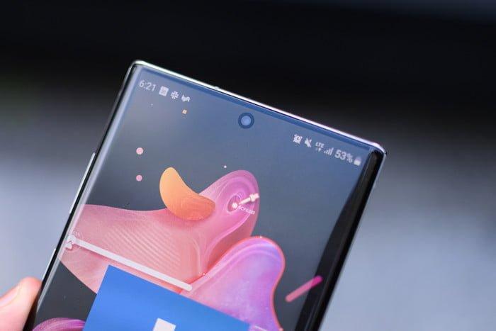 Galaxy-Note-10-Plus-display