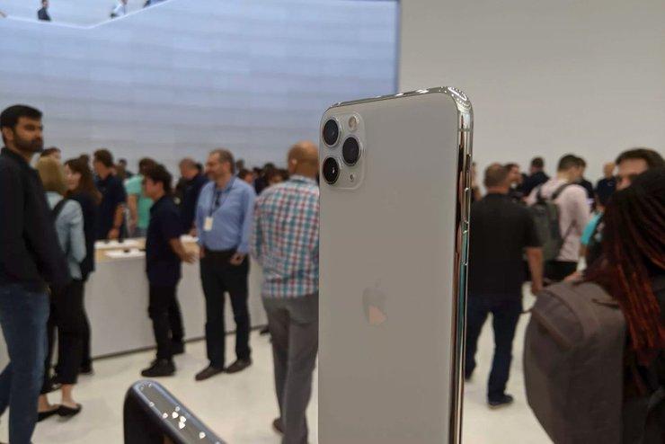 iPhone-11-Pro-Max-third-lens
